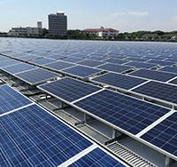 太陽光発電メンテナンス、モジュールパネル清掃 大阪