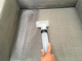 ソファークリーニング作業手順-4すすぎ洗い